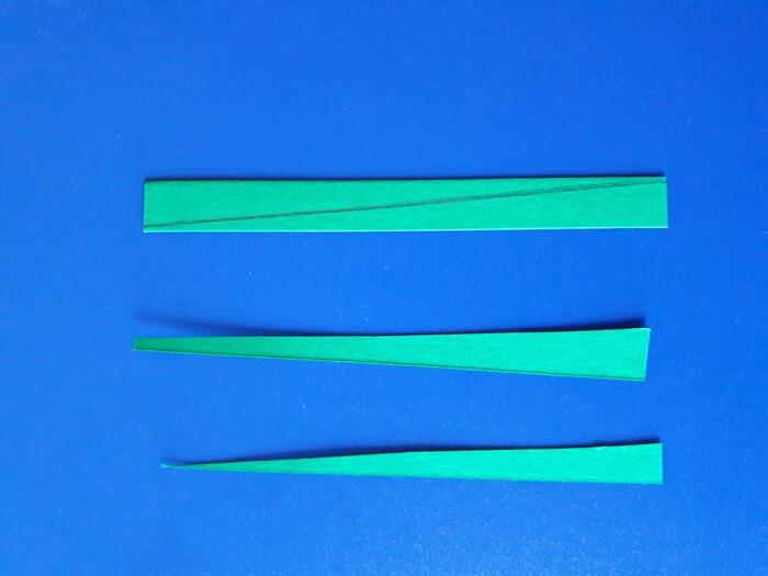 Przebiśniegi z papieru - łodyżki
