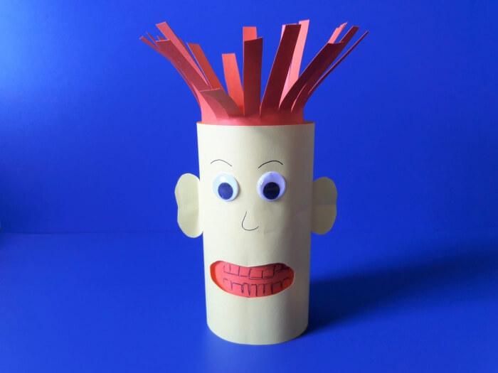 Jak przekonać dziecko do mycia zębów? - ludzik z papieru bez pomponika