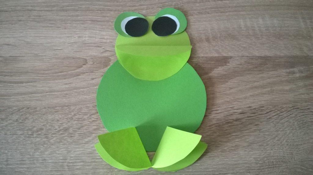 żabka zpapieru