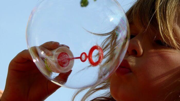 Zabawy oddechowe - bańki mydlane