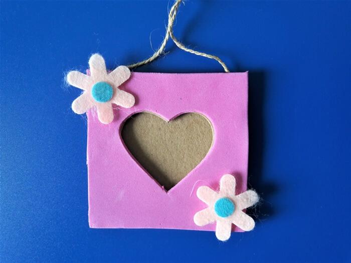 walentynkowe ramki - filcowe kwiatki