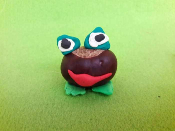 kasztanowe zwierzątka-żabka