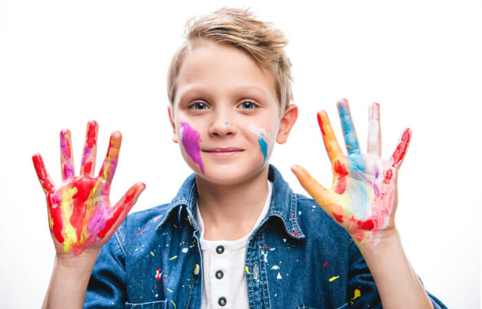 Zabawy sensoryczne-malowanie palcami
